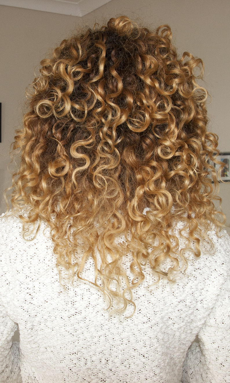 Isana Pure Locken Styling Cream, krem do włosów kręconych